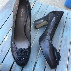 Women's B. Makowsky Black Leather Heels Size 9M